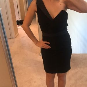 Dresses & Skirts - Nwot black mini dress